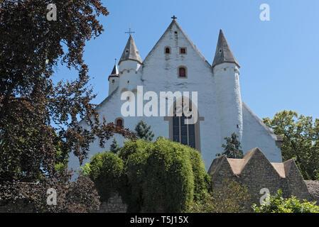 castle church with medieval city wall in ober ingelheim city rheinhessen rhineland palatinate germany - Stock Photo