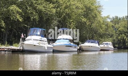 Lake Champlain lakeside living - Stock Photo