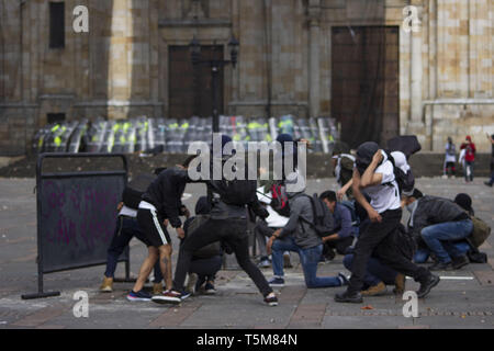Bogota, Colombia. 25th Apr, 2019. April 25, 2019 - Descriotion Credit: Daniel Garzon Herazo/ZUMA Wire/Alamy Live News Credit: ZUMA Press, Inc./Alamy Live News - Stock Photo