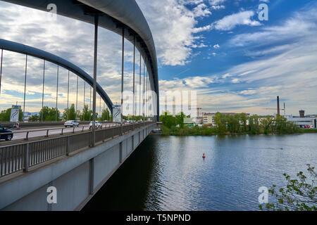 Kaiserlei-Brücke von Offenbach nach Frankfurt a.M. - Stock Photo