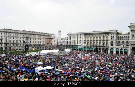 Demonstration Procession for April 25th (Maurizio Maule/Fotogramma, Milan - 2019-04-25) p.s. la foto e' utilizzabile nel rispetto del contesto in cui e' stata scattata, e senza intento diffamatorio del decoro delle persone rappresentate Stock Photo