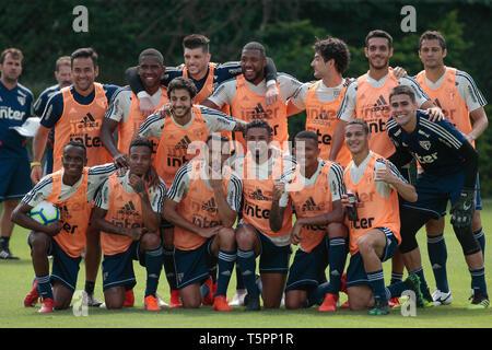 SP - Sao Paulo - 04/26/2019 - Training of Sao Paulo - Players during training of Sao Paulo at CT Barra Funda. Photo: Marcello Zambrana / AGIF - Stock Photo