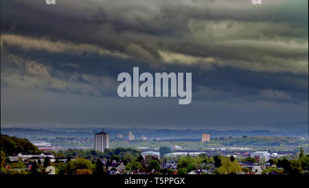 Glasgow, Scotland, UK, 26th, April, 2019, UK 26th. Storm Hannah brings cloud and rain over the south  as the sun shines in the North before the cloud covers the city. Credit Gerard Ferry/Alamy Live News - Stock Photo