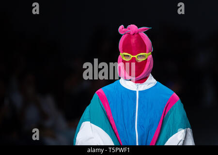 Sao Paulo, Brazil. 26th Apr, 2019. Model presents creation by Mipinta during the Sao Paulo Fashion Week (SPFW), N47 edition, in Sao Paulo, Brazil. Credit: Paulo Lopes/ZUMA Wire/Alamy Live News - Stock Photo
