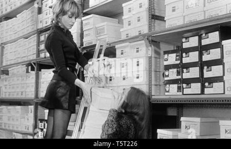 LA SALAMANDRE 1971 de Alain Tanner Bulle Ogier. Prod DB © Filmograph S.A. - Forum Films - Svocine / DR - Stock Photo