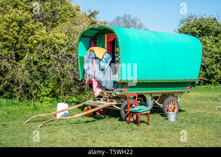 Gypsy style horse drawn caravan for roving holidays parked on the Downs in Bristol - Stock Photo