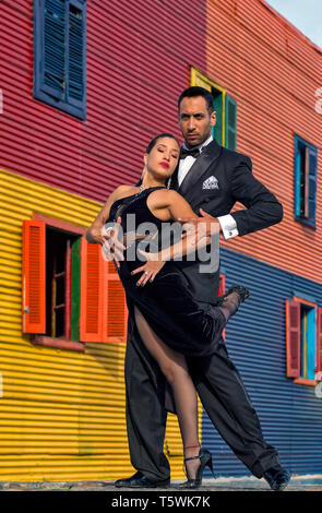 Professional Tango dancers in Caminito, La Boca. Buenos Aires, Argentina - Stock Photo