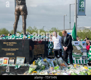 GLASGOW, SCOTLAND - 27th APRIL 2019: Celtic manager, Neil Lennon and Celtic captain, Scott Brown paying their respects to the late Billy McNeill. - Stock Photo