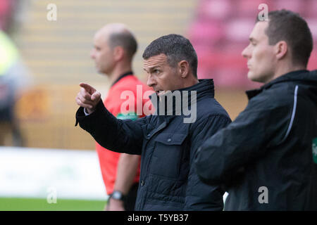 Fir Park, Motherwell, UK. 27th Apr, 2019. Ladbrokes Premiership football, Motherwell versus Dundee; Dundee manager Jim McIntyre gives instructions Credit: Action Plus Sports/Alamy Live News - Stock Photo