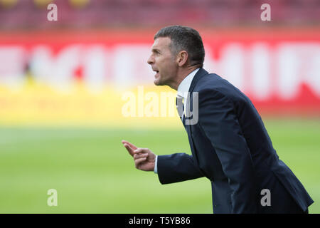 Fir Park, Motherwell, UK. 27th Apr, 2019. Ladbrokes Premiership football, Motherwell versus Dundee; Dundee manager Jim McIntyre Credit: Action Plus Sports/Alamy Live News - Stock Photo