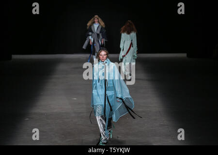 Sao Paulo, Brazil. 27th Apr, 2019. A model presents a creation by Led during the Sao Paulo Fashion Week in Sao Paulo, Brazil, on April 27, 2019. Credit: Rahel Patrasso/Xinhua/Alamy Live News - Stock Photo