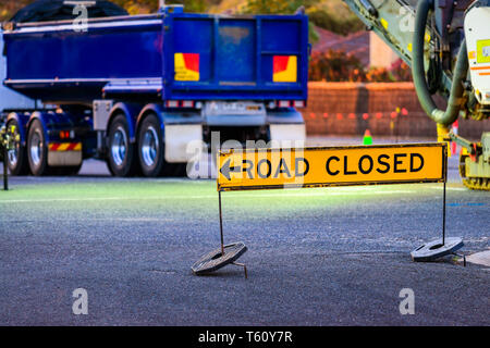 Australian road closed sign during night works  in Adelaide - Stock Photo