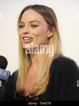 New York, New York, USA. 28th Apr, 2019. Margot Robbie attends the World Premiere of 'Dreamland' at the 2019 Tribeca Film Festival at the Stella Artois Theatre at BMCC TPAC on April 28, 2019 in New YorkCity. Credit: John Palmer/Media Punch New York, New York April 28: Margot Robbie Attends The World Premiere Of 'Dreamland' At The 2019 Tribeca Film Festival At The Stella Artois Theatre At Bmcc Tpac On April 28, 2019 In New York City. Credit: John Palmer/Media Punch/Alamy Live News - Stock Photo