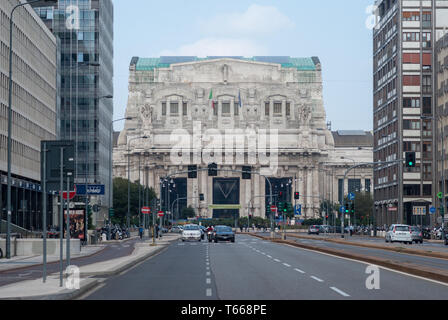 Facade view Milano Centrale, main railway station - Stock Photo