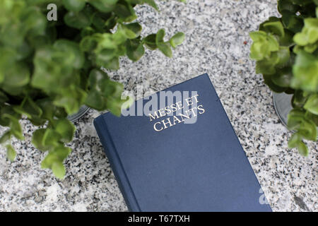 Livre de messe et chants. - Stock Photo