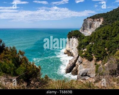 Dramatic Mediterranean cliffs and coastline on Palmaria Island, just off Portovenere in La Spezia province, Liguria, Italy. - Stock Photo