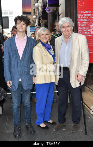 London Coliseum, UK. 30th Apr 2019. Tom Conti Arrivals at Man of La Mancha, at London Coliseum on 30 April 2019, London, UK. Credit: Picture Capital/Alamy Live News - Stock Photo