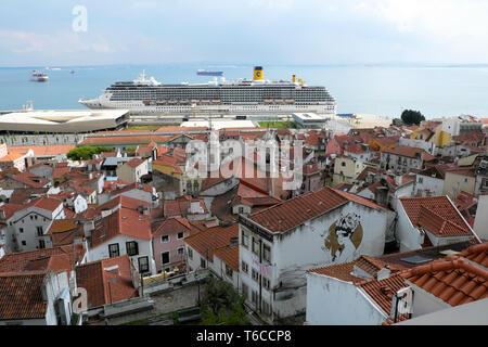 Cruise ship on the quay at River Tejo Tagus harbor viewed from Miradouro de Santa Luzia lookout point in Alfama Lisbon Portugal Europe EU KATHY DEWITT - Stock Photo
