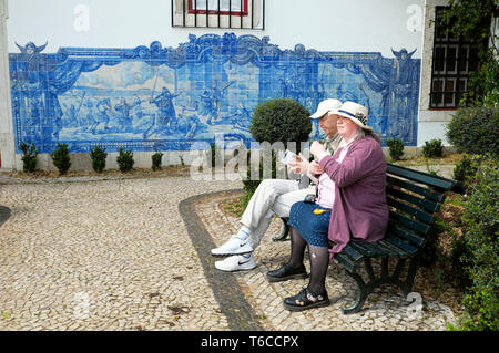 Historical depiction of the Seige of Lisbon 1147 commemorated in blue wall tiles azulejos in Alfama Lisboa Portugal  KATHY DEWITT - Stock Photo