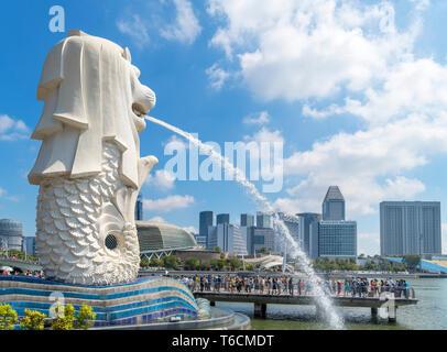 The Merlion Statue, symbol of Singapore, overlooking Marina Bay, Merlion Park, Singapore City, Singapore - Stock Photo