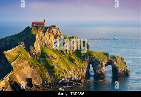 Spain, Basque country, San Juan de Gaztelugatxe, view of islet