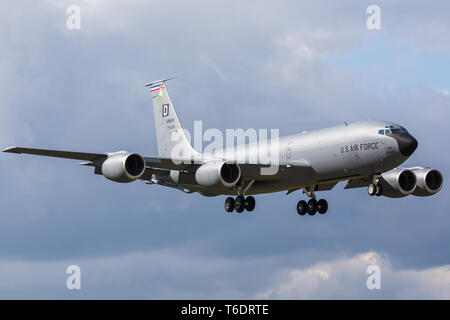 A KC-135R Stratotanker of the 100th ARW descends into RAF Mildenhall, Suffolk during April 2019. - Stock Photo