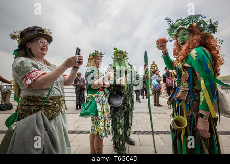 London, UK. 1st May 2019. The Fowlers Troop Jack in the Green procession on May Day from Deptford to Greenwich. Originally by members of Blackheath Morris Men in the early 1980s, this revived Jack in the Green has origins from about 1906, and continues its annual celebration march starting outside the Dog and Bell pub in Deptford marching through Greenwich, south east London. Credit: Guy Corbishley/Alamy Live News - Stock Photo