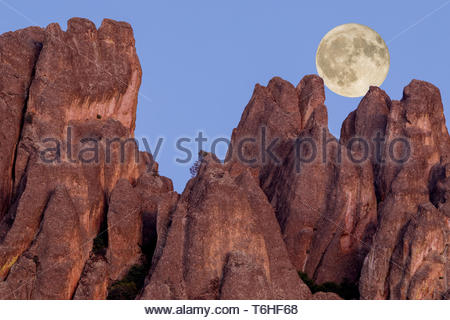Full moon over High Peaks - Stock Photo
