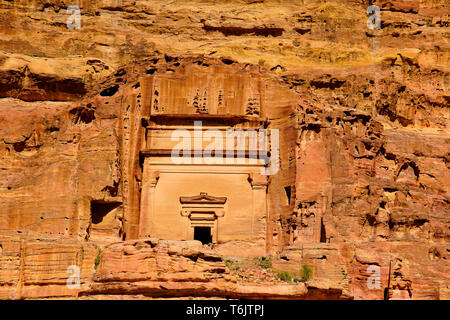 The tomb of Uneishu, chief of minister of Queen Shaqilath, Petra, Jordan. - Stock Photo