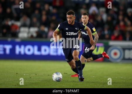Swansea, UK. 01st May, 2019. Mason Bennett of Derby County in action. EFL Skybet championship match, Swansea city v Derby County at the Liberty Stadium in Swansea, South Wales on Wed 1st May 2019. this image may only be used for Editorial purposes. Editorial use only, license required for commercial use. No use in betting, games or a single club/league/player publications. pic by Andrew Orchard/Andrew Orchard sports photography/Alamy Live news Credit: Andrew Orchard sports photography/Alamy Live News - Stock Photo