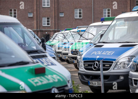 Duisburg, Germany. 02nd May, 2019. Police trucks are standing in the police barracks in Duisburg. In connection with a right-wing demonstration in Duisburg, a sticker of the right-extremist group 'Identitäre Bewegung' has been discovered in a police van. North Rhine-Westphalia's Interior Minister Reul (CDU) considers it 'very likely' that one of the 'usually' six police officers transported in the car attached the sticker there. On the occasion of a visit to Greece, Reul called the process 'intolerable, not to accept at all'. Credit: Christoph Reichwein/dpa/Alamy Live News - Stock Photo