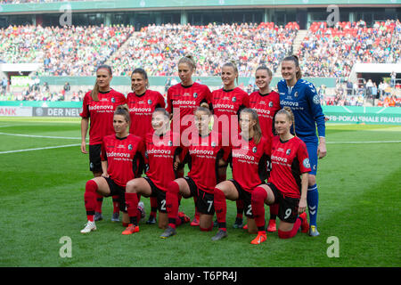 Cologne, Germany May1 2019, women football cup final, VFL Wolfsburg vs SC Freiburg: Team Freiburg.     DFB REGULATIONS PROHIBIT ANY USE OF PHOTOGRAPHS - Stock Photo