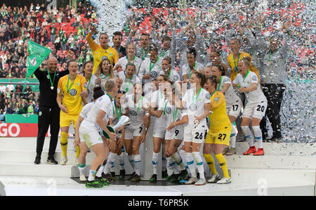 Cologne, Germany May1 2019, women football cup final, VFL Wolfsburg vs SC Freiburg: Wolfsburg team celebrates with the trophy.     DFB REGULATIONS PRO - Stock Photo