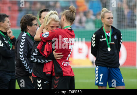 Cologne, Germany May1 2019, women football cup final, VFL Wolfsburg vs SC Freiburg: Freiburg players dejected.     DFB REGULATIONS PROHIBIT ANY USE OF - Stock Photo