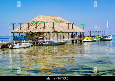 'PALAPA', a Bar and Grill on the beach at San Pedro, Ambergris Caye, Belize. - Stock Photo