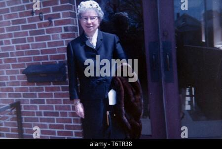 Bess Truman, the first lady to President Harry S Truman, outside her church on Easter Sunday, April 18, 1965. Image courtesy National Archives. () - Stock Photo