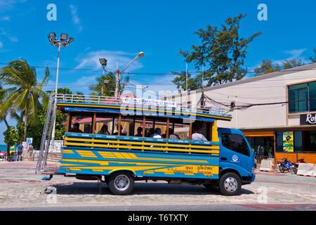 Phuket town-Patong bus, Beach Road, Thawewong Road, Patong, Phuket island, Thailand - Stock Photo