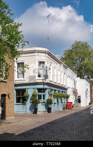The Queens Arms pub in Queens Gate Mews, South Kensington , London, England - Stock Photo