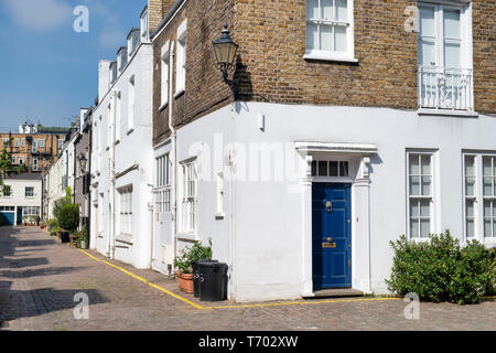 Houses in Queens Gate Mews, South Kensington, London, England - Stock Photo
