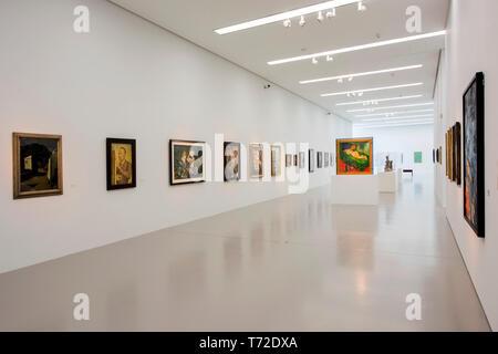 Deutschland, NRW, Düren, Leopold-Hoesch-Museum, Austellungsraum - Stock Photo