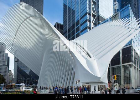 OCULUS (©SANTIAGO CALATRAVA 2018) WESTFIELD WORLD TRADE CENTER PATH TRANSPORTATION HUB DOWNTOWN MANHATTAN NEW YORK CITY USA - Stock Photo