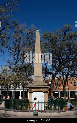 Santa Fe Plaza Obelisk Stock Photo Alamy