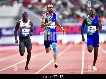Doha, Qatar. 3rd May, 2019. Ramil Guliyev (C) of Turkey competes during the men's 200m final at 2019 IAAF Diamond League at Khalifa International Stadium in Doha, Qatar, May 3, 2019. Ramil Guliyev won the gold medal with 19.99 seconds. Credit: Nikku/Xinhua/Alamy Live News - Stock Photo
