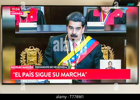 Cartagena Colombia TV television monitor screen flat screen news Venezuelan president Nicolas Maduro Spanish language - Stock Photo