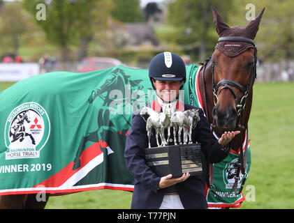 Badminton Estate, Badminton, UK. 5th May, 2019. Mitsubishi Motors Badminton Horse Trials, day 5; Piggy French (GBR) holds the winners trophy with VANIR KAMIRA after winning Badminton 2019 on day 5 of the 2019 Badminton Horse Trials Credit: Action Plus Sports/Alamy Live News - Stock Photo