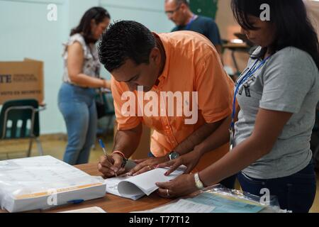 A handout picture made available by the electoral Tribunal shows independent Presidential candidate Ricardo Lombana as he votes in Panama City, Panama, 5 May 2019. Panamanians go to the polls to choose their new authorities in the sixth elections since in 1989 democracy was restored in the country. - Stock Photo