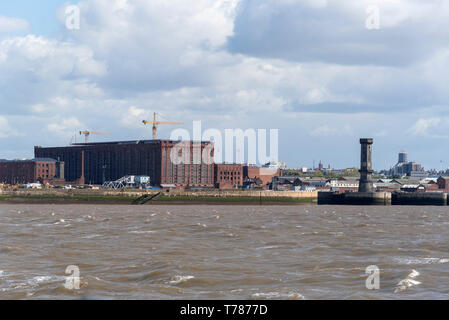 Victorian Stanley Dock tobacco warehouse and the octagonal clock tower. The world's largest brick warehouse - Stock Photo