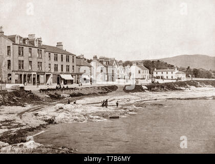 A late 19th Century view of the seafront of Kirn, a village in Argyll and Bute in the Scottish Highlands on the west shore of the Firth of Clyde on the Cowal peninsula. This photograph was shot from the landing stage, a regular stop for the Clyde steamer services, bringing holidaymakers  from the Glasgow area to the town. - Stock Photo