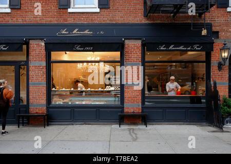 Aux Merveilleux de Fred, 37 8th Avenue, New York, NY - Stock Photo