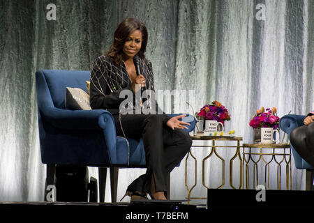 May 4, 2019 - Toronto, Ontario, Canada - Toronto hosted former First Lady, Michelle Obama, as she travels the continent on her book tour, ''Becoming''. ''Becoming'' is an autobiographical memoir of the First Lady's time in office. In picture: MICHELLE OBAMA (Credit Image: © Angel Marchini/ZUMA Wire) - Stock Photo